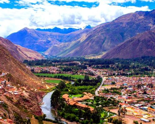 Sacred Valley of the Incas - Valle Sagrado, Urubamba. Photo via Visit Peryu